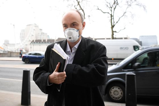 Cummings Calls U.K. Health Officials' Covid Response 'Disaster'