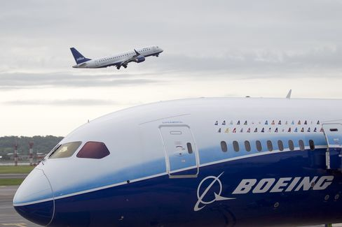 Boeing Engineers Approve Deal as Technical Workers Grant Strike