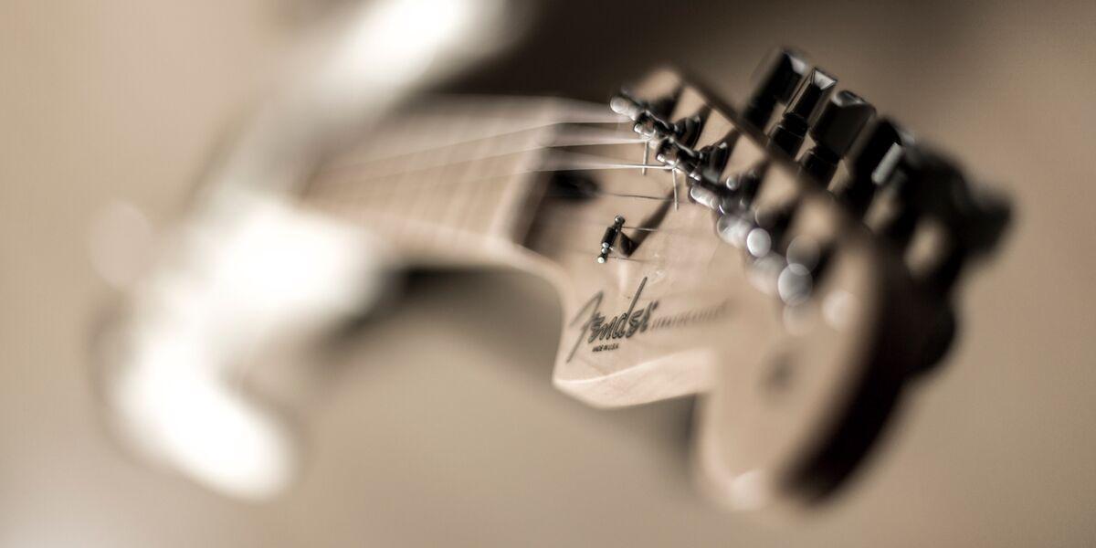 British Regulator Criticizes Fender Guitars for Minimum Prices