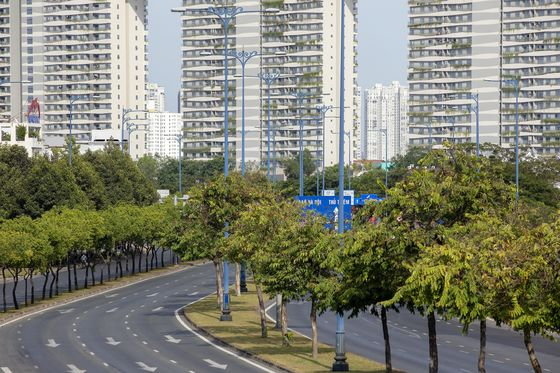 Vietnam Looks for Economic Rebound After Mass Quarantines