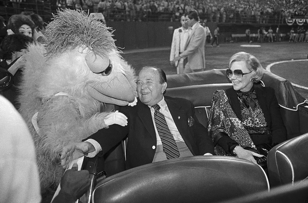 abf6727c062aab Ray and Joan Kroc are honored by their San Diego Padres (and the Famous  Chicken