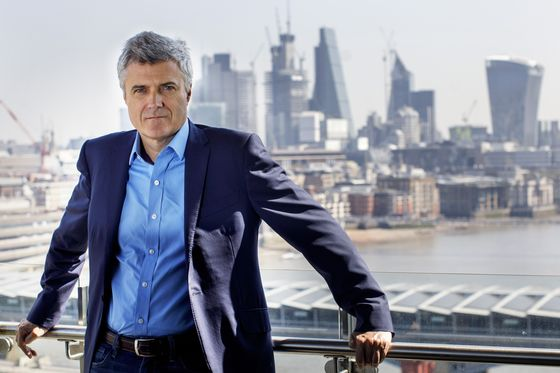 Rude Awakening for New WPP CEO as Margin Squeeze Hits Shares