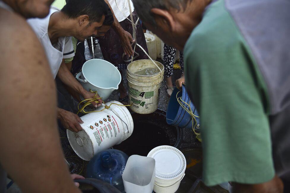 Taps Run Dry in Venezuelan Capital as Power Cuts Hit Water Pumps
