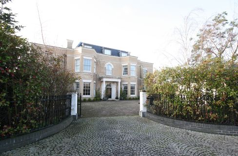 Bankrupt Banker's Dublin Home Offers Irish Payback