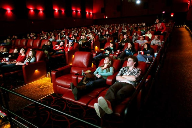 Reclining Seats Dine-in Menus Boost Movie Ticket Sales for AMC - Bloomberg : amc theatre reclining seats - islam-shia.org