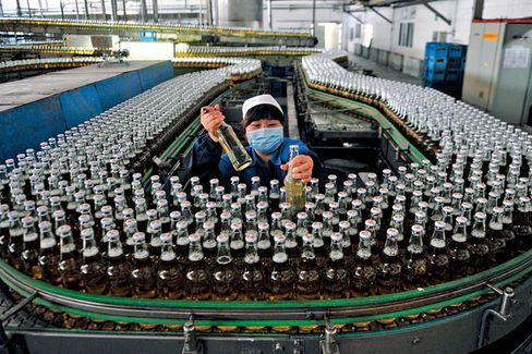 Foreign Beermakers Raise a Glass to China
