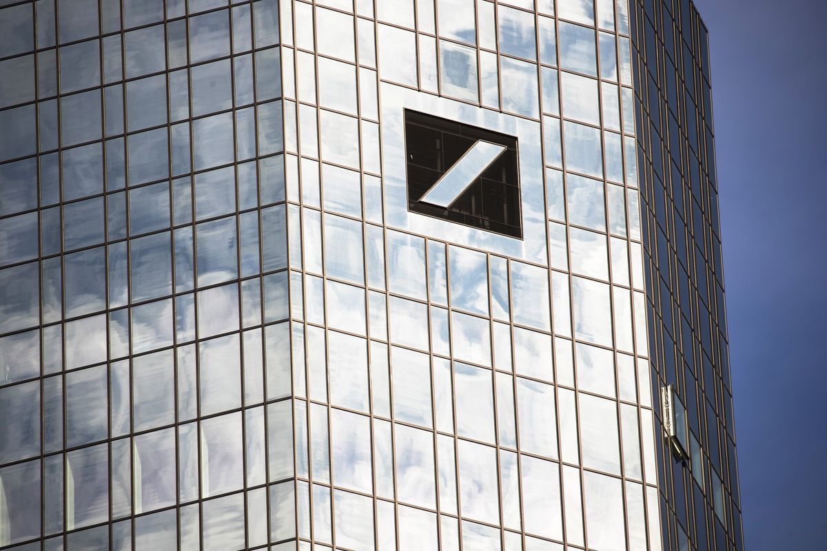 Deutsche Bank Lets U.S. Interns Choose to Work at Office or Not