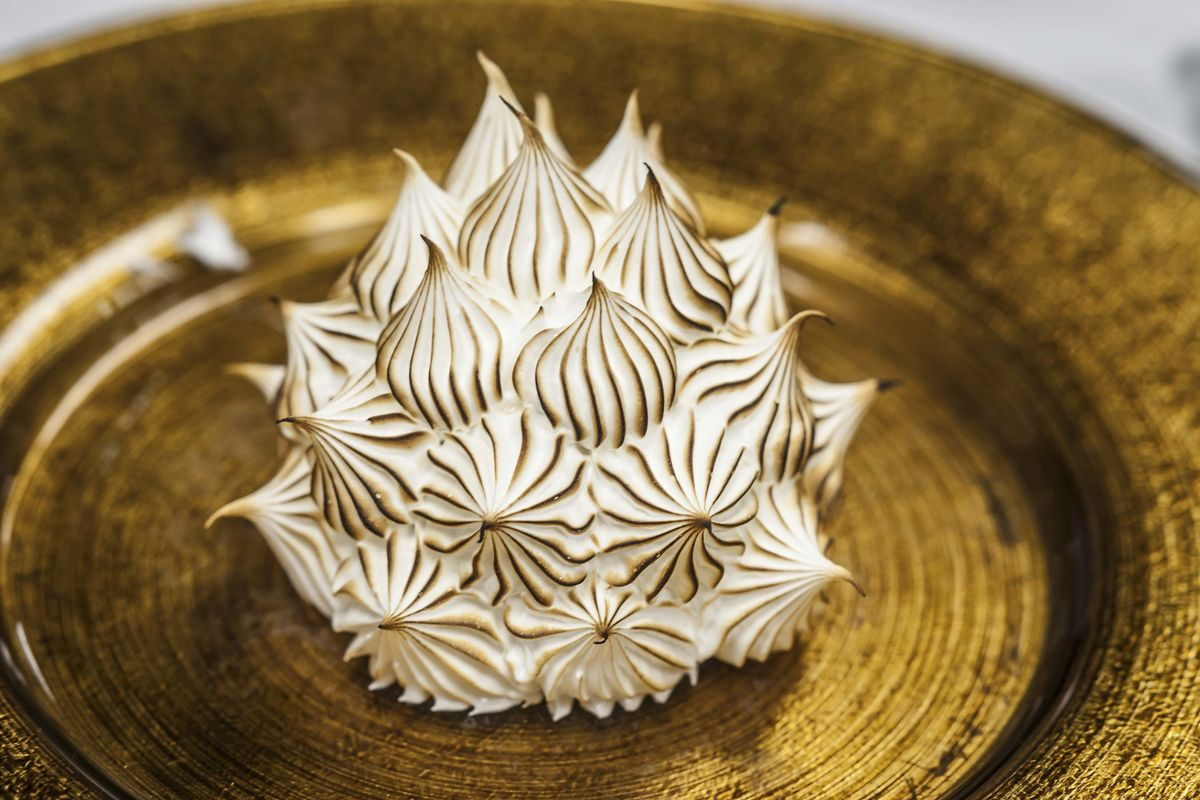 What Is Baked Alaska and Best Places to Get It - Bloomberg