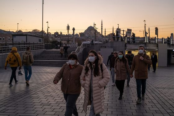 Turkey Declares Night and Weekend Curfews as Pandemic Rages On