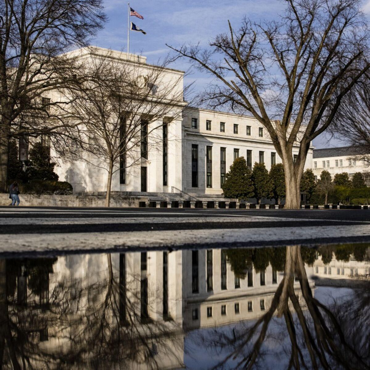 連邦準備制度理事会、先細り後の利上げの検討-価格と雇用の結果を待っ ...