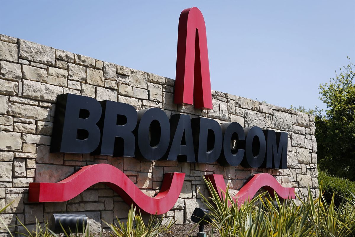 Broadcom Plans $100 Billion Qualcomm Deal to Build Chip Colossus