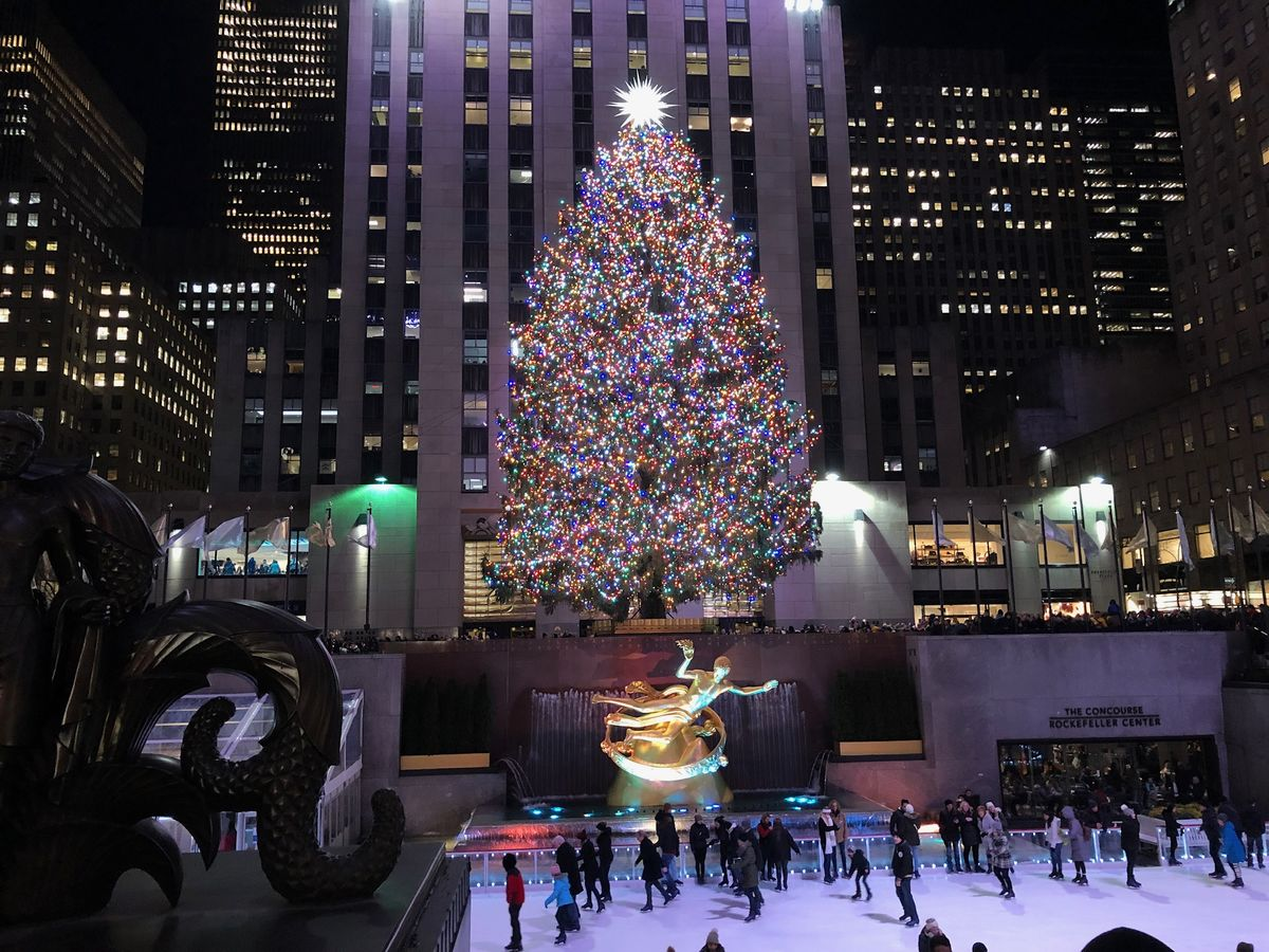 Rockefeller Center's Christmas Tree to Return Without the Crowds - Bloomberg