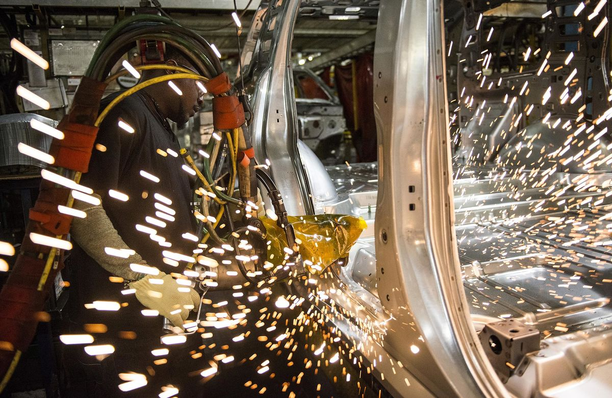 Manufacturing Production in US Rises for Sixth Straight Month