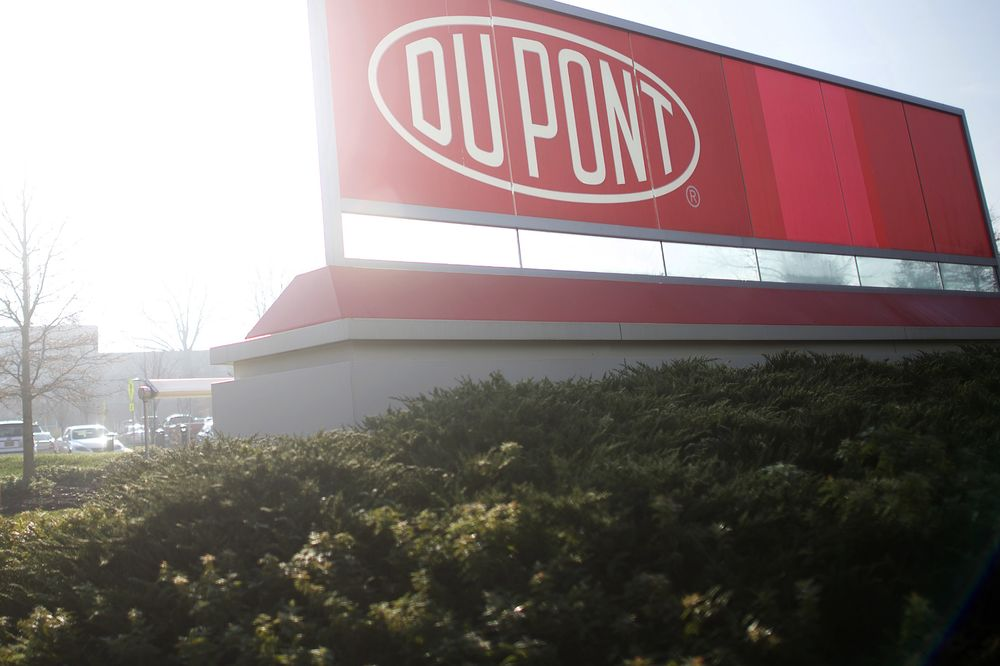 Dowdupont Stops Chemical Rally But Sherwin Fans The Flames Bloomberg