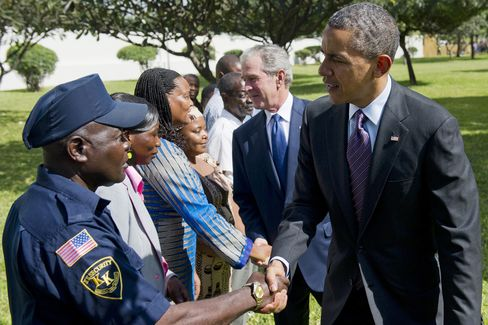Obama Joins With Political Foe Bush at End of Africa Trip