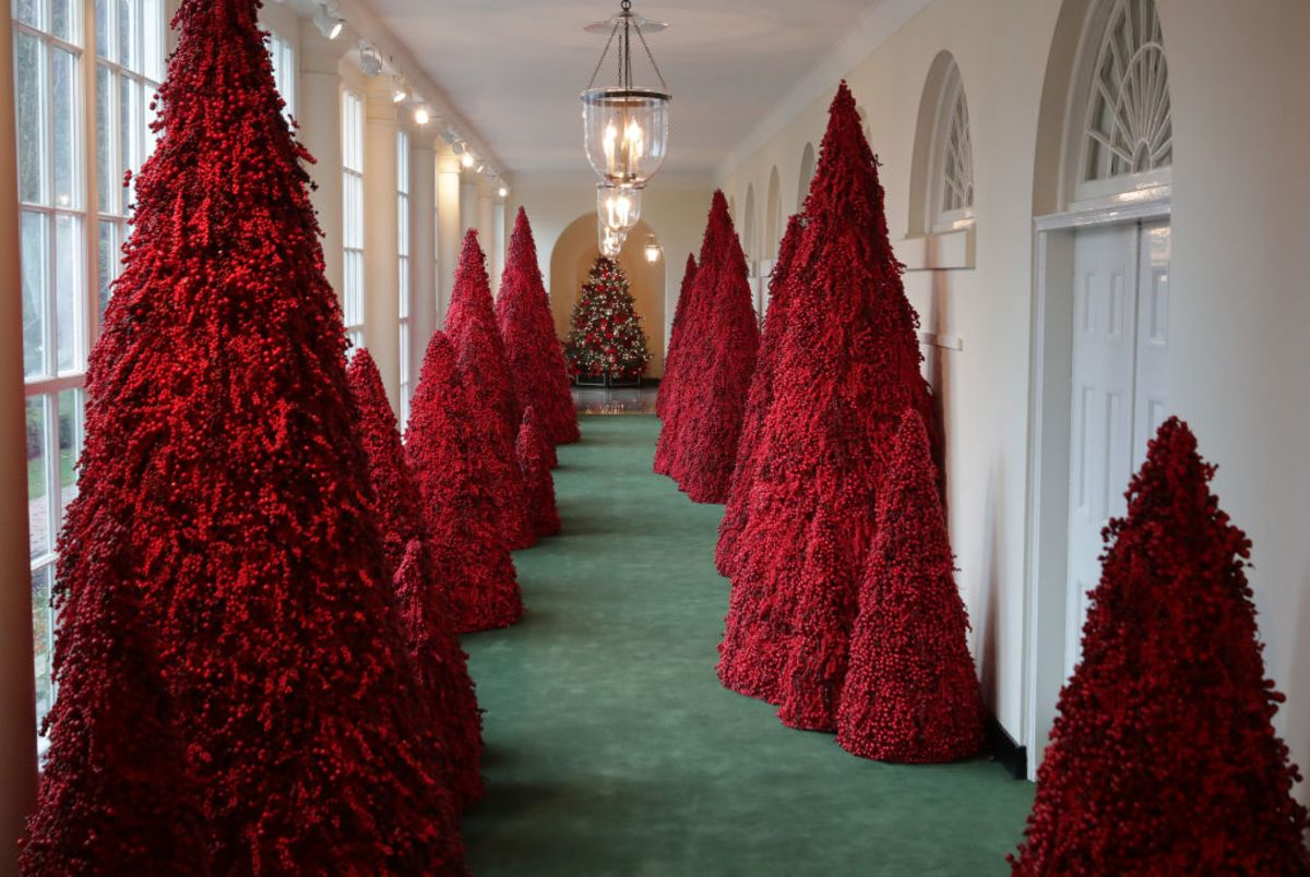 Melania S Red Christmas Trees Aren T So Bad Bloomberg