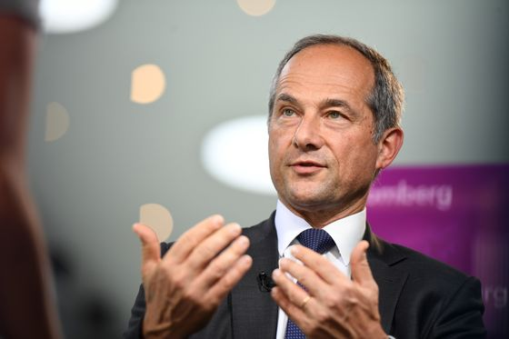 SocGen's Biggest Loss Since Kerviel Adds Pressure on CEO Oudea