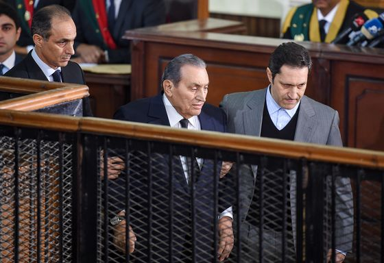 Two Arab Ex-Leaders in Court, One Testifying Against the Other