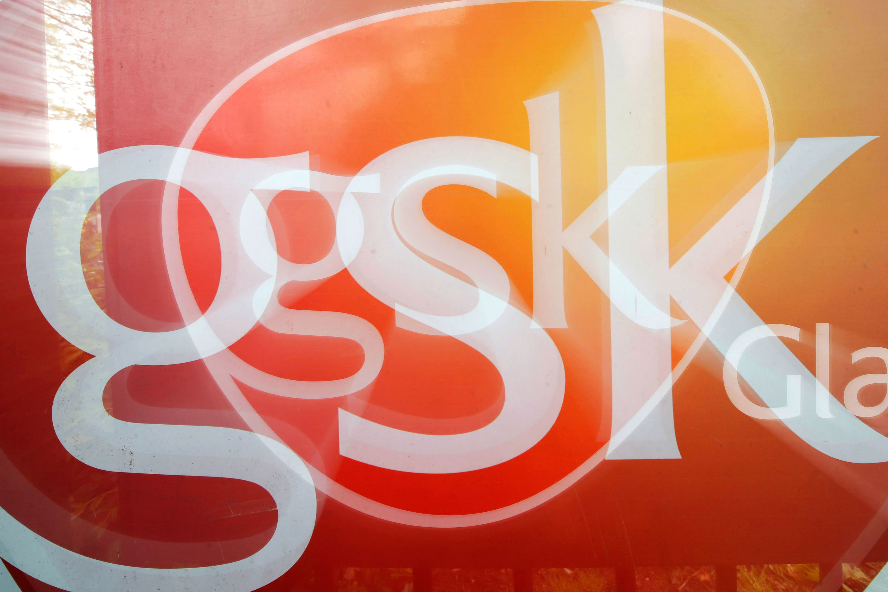 Glaxo CEO Replaced 50 Top Managers in Shakeup to Spur Growth