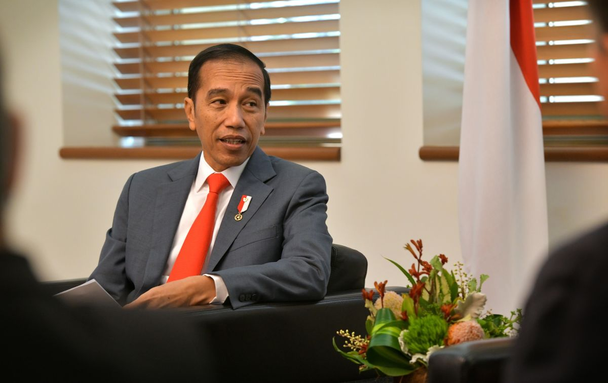 Jokowi's Approval Rating Surges as Economy Remains Top Concern