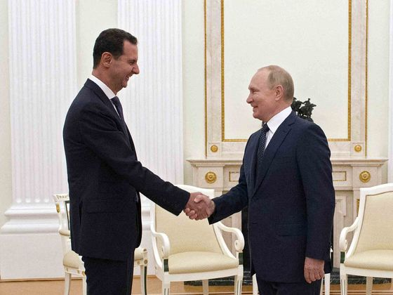 Putin Hosts Assad in Moscow, Tells Other Forces to Leave Syria