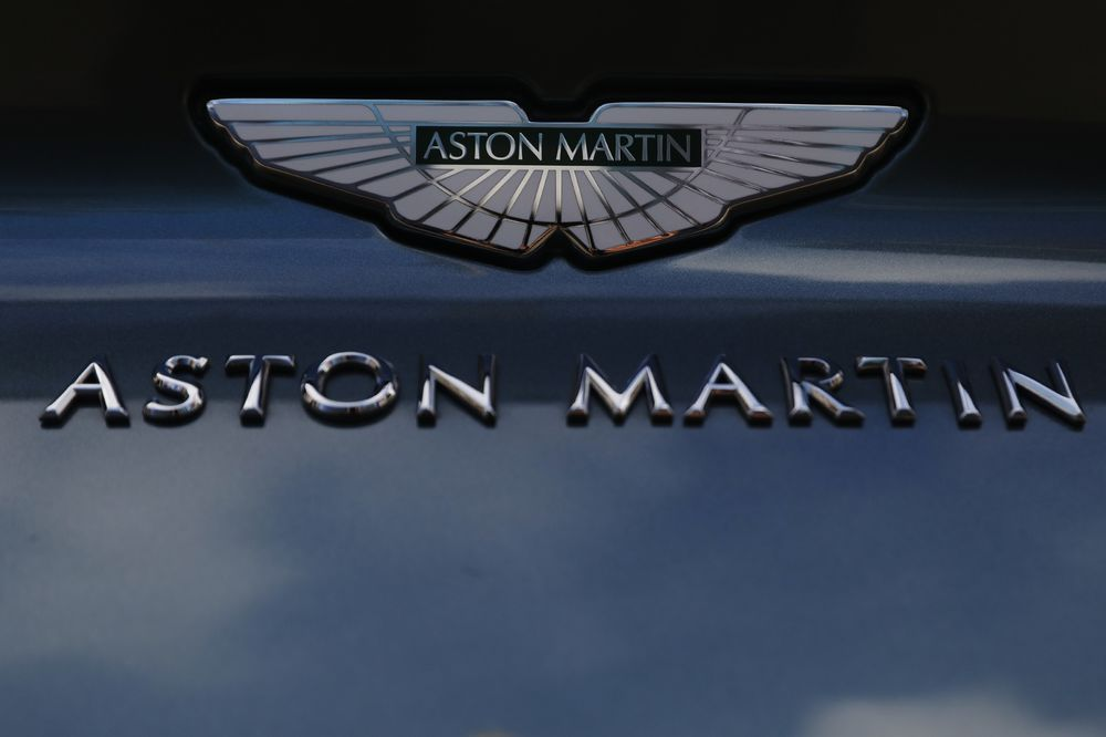 Aston Martin Plunges After Cutting Vehicle Sales Forecast on Challenging Outlook