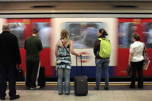 London Tube Wont Have Mobile-Phone Service Before Olympics
