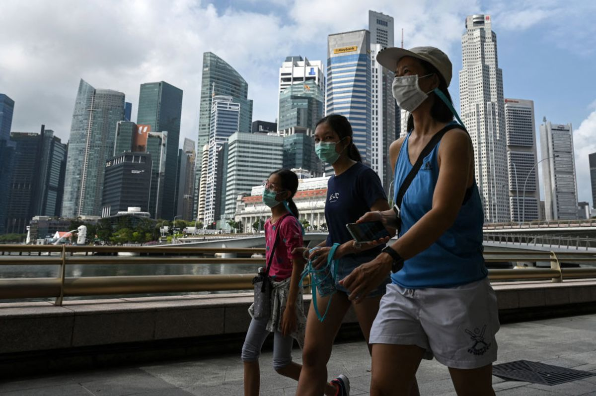 Singapore's Tourism Industry Races to Abide by New Covid Rules