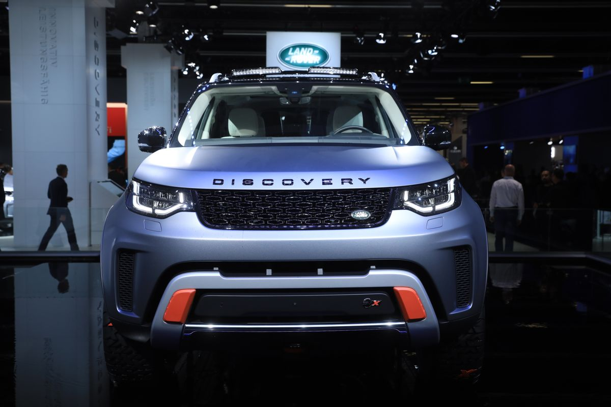 Jaguar Land Rover Shelves Plan to Sell Bonds to Raise Cash