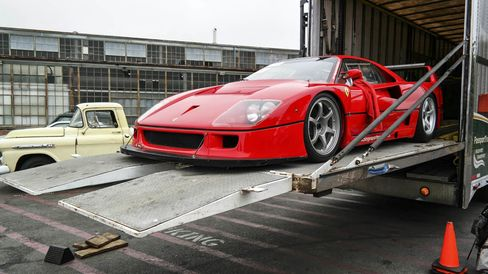 Leave detailed instructions with the shipper as to how to drive, park, and engage the parking brake on sensitive cars such as this Ferrari F40 LM.