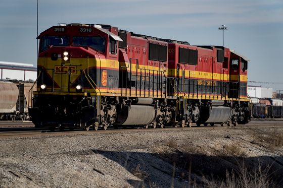 CP Rail Appeals to K.C. Southern Holders to Reject CN Deal