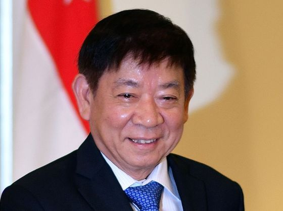 Singapore Backs Ex-Ruling Party Chief to Lead Media Spin-Off