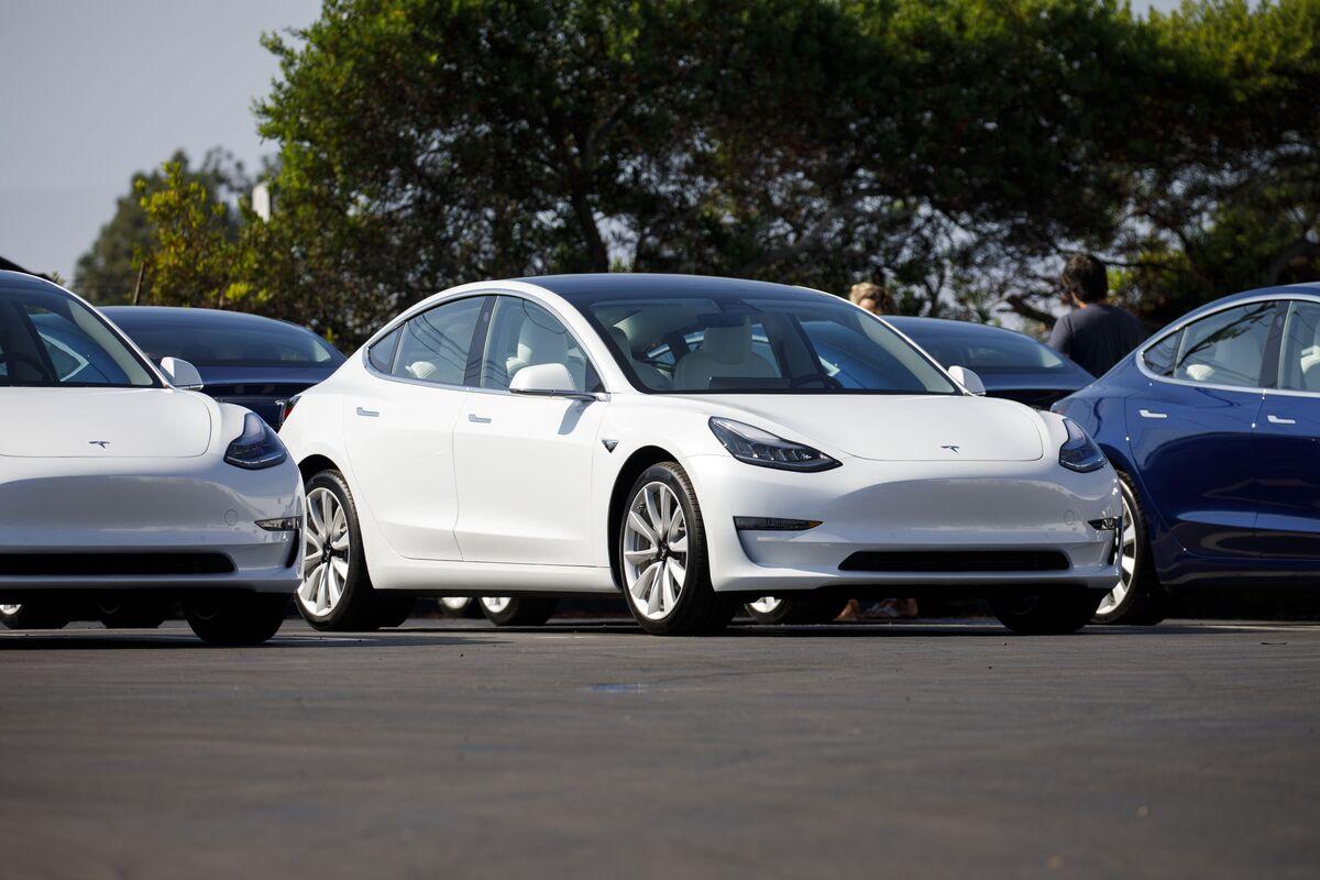 Tesla's Value Sinks by $10 Billion in a Week as Rout Deepens