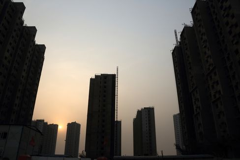 Beijing Tightens Presale Rules as Home Prices Rise Under Curbs