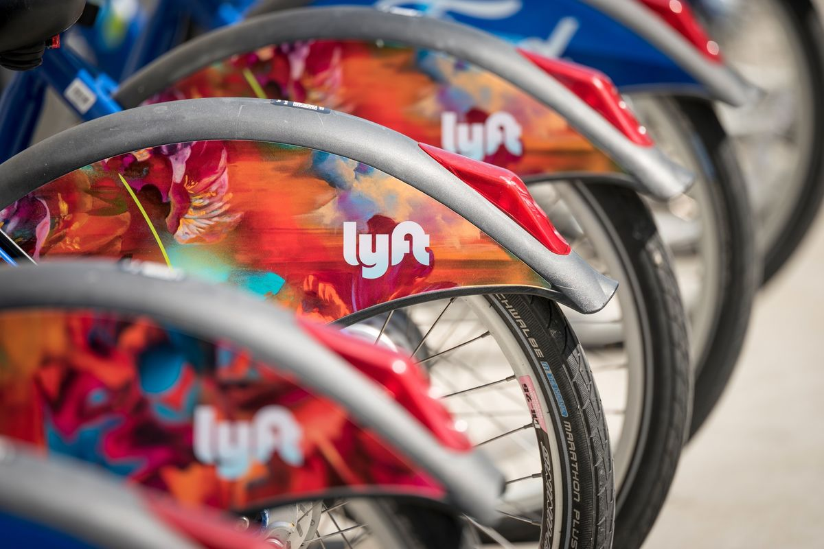 Lyft Gains Ahead of Insiders' First Chance to Sell Shares