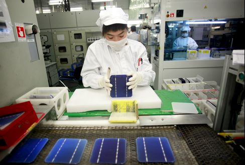 China Drives Record Solar Growth While Panel Makers Wilt