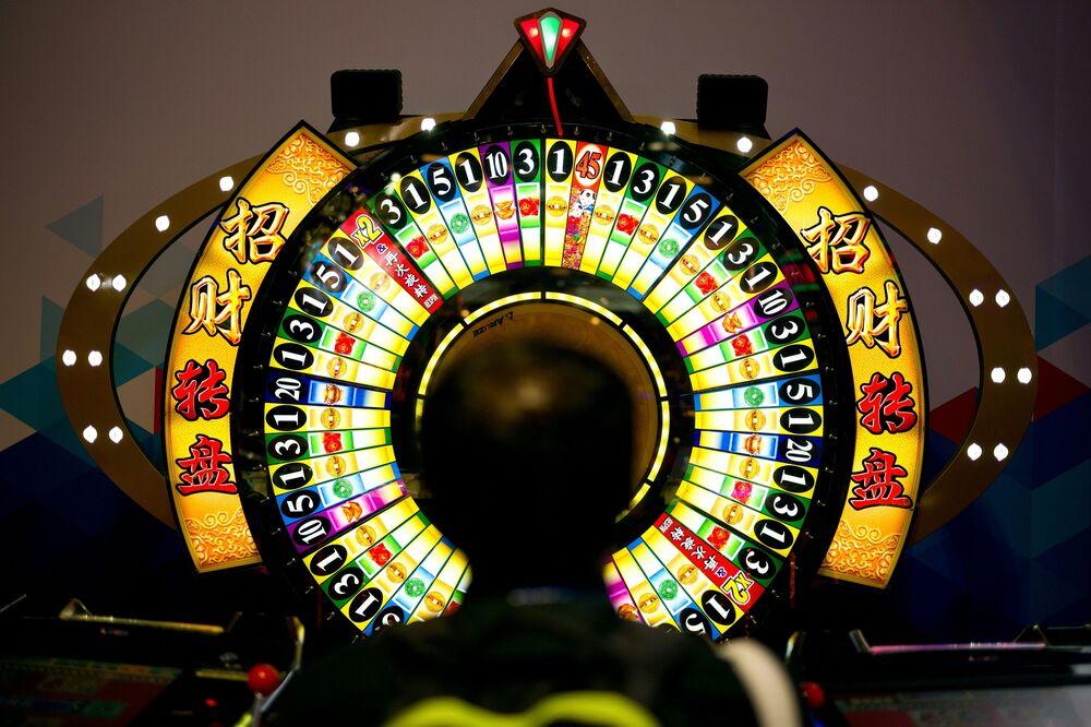 Vegas High-Roller Spins $7 Billion Roulette Wheel