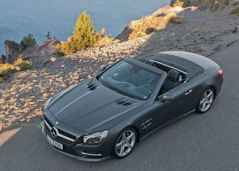 The SL400 is a good option if you want a high-performance roadster for less than $100,000.
