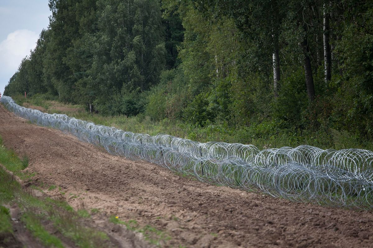 """Poland Prime Minister: """"We Cannot Allow These People Entry!"""" """"We must defend the sovereignty of our territory."""