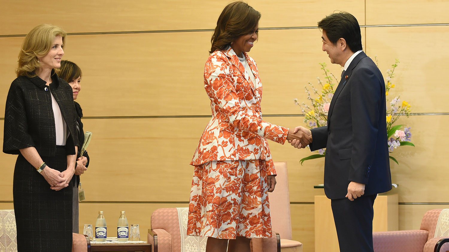 Obama meets with Prime Minister Shinzo Abe