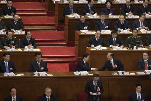 Hu Jintao Ally Sidelined as China Leaders Jockey Before Handover