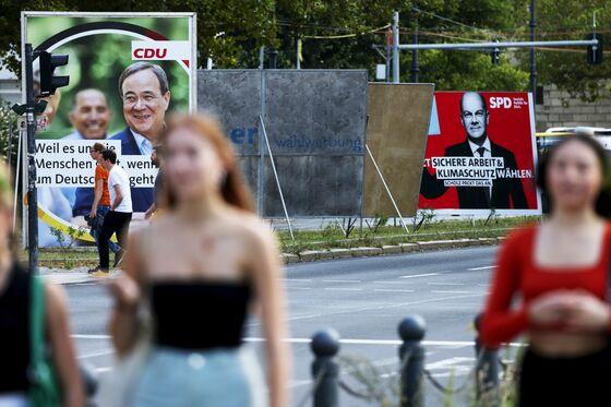 Scholz Steals From Merkel's Playbook to Shake Up German Vote