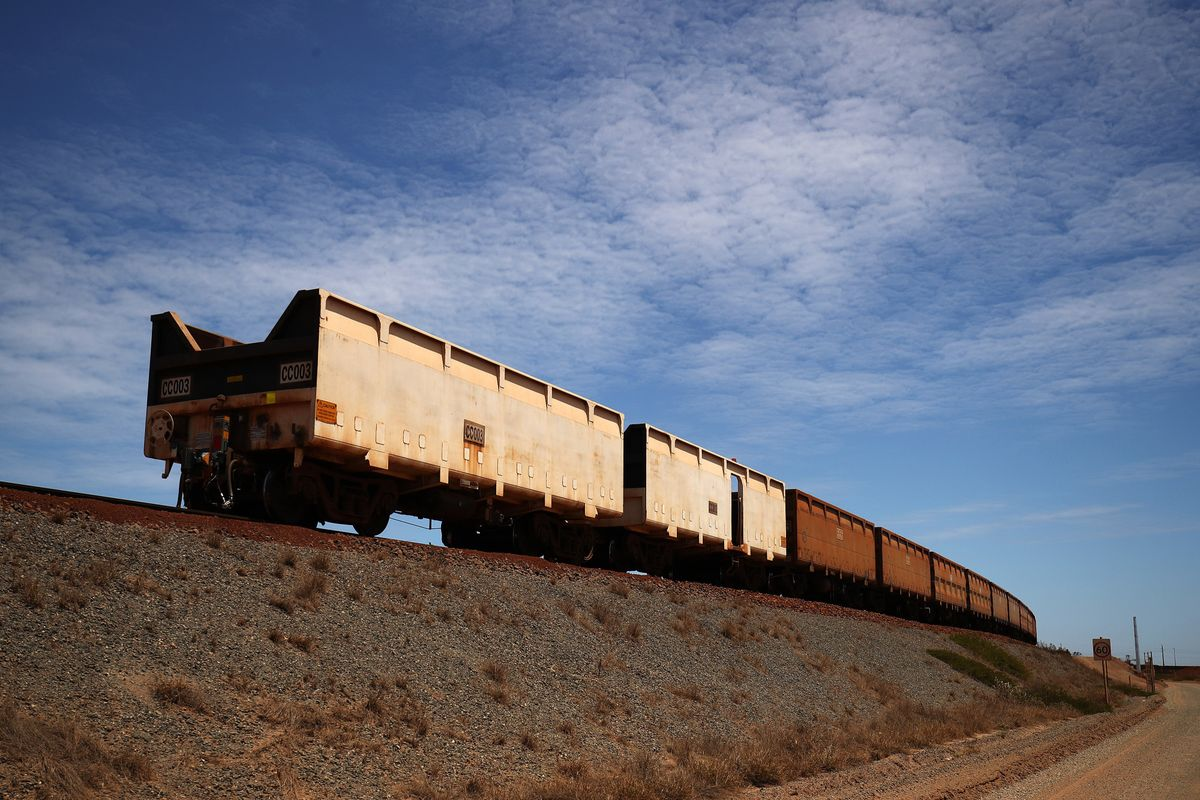 BHP Crew Applied Brakes to Wrong Ore Train Before Runaway