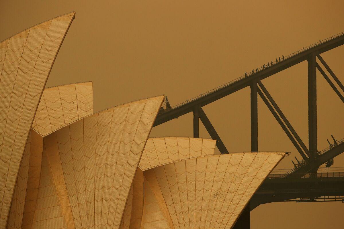 Politicians Fiddle While Australia Burns