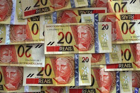 Brazil Real Rises From Three-Year Low as Central Bank Intervenes