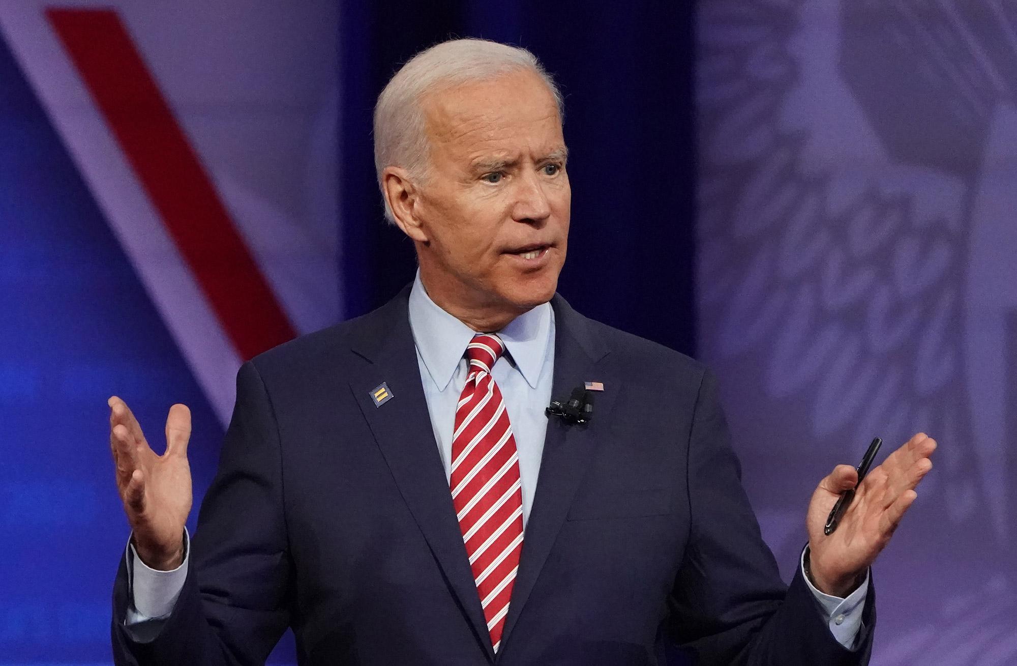 Ohio Democratic Debate Biden Warns Rivals Against Family Attacks Bloomberg