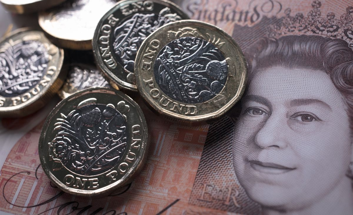 Authers' Newsletter: The Pound Loves a Brexit Deal, Any Deal