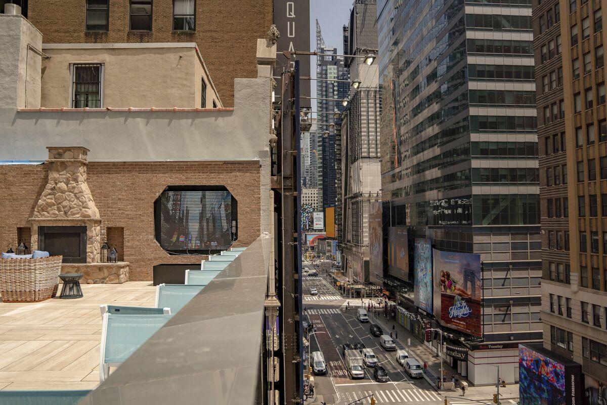 NYC Hotels See Busiest Week Since Pandemic Hit, Mayor Says