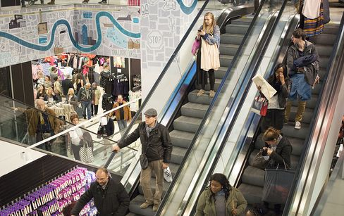 U.K. Economy Grows 0.3% on Inventory Buildup, Consumer Spending