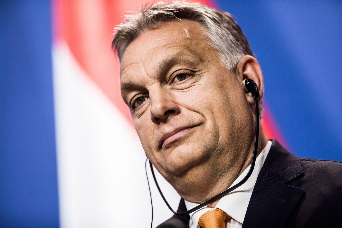 EU Fears Boris Johnson Will Persuade Hungary to Veto Brexit Delay